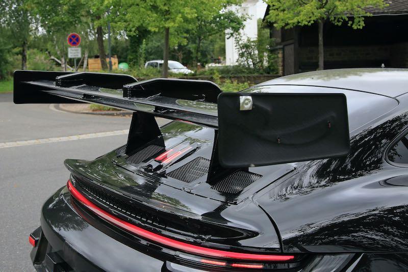 次期新型ポルシェ 911 GT3 RS プロトタイプ スパイショット リアウィング