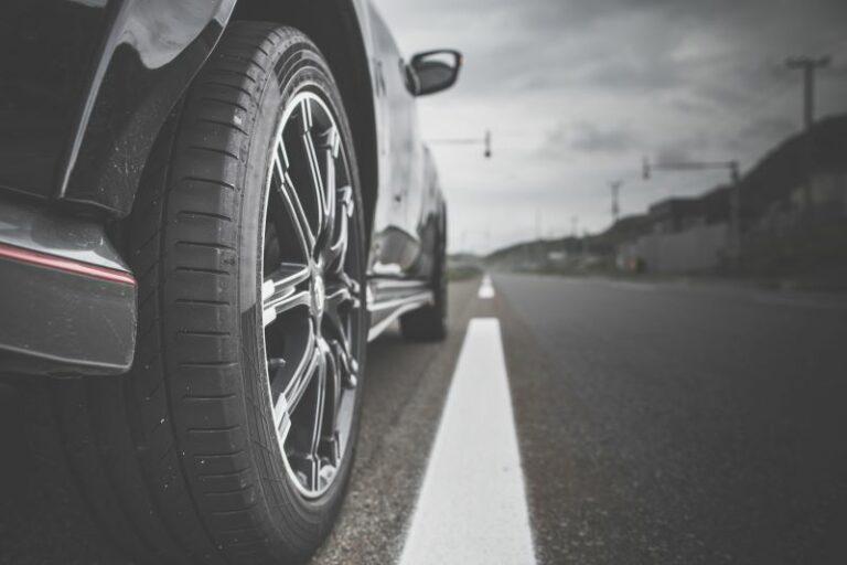 コンフォートタイヤはミニバンやSUVに最適?乗り心地やコスパは?