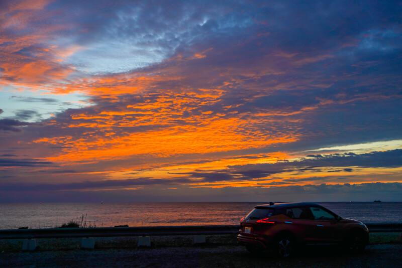 日産 キックス ひたちなか市の海岸での朝焼けを撮影