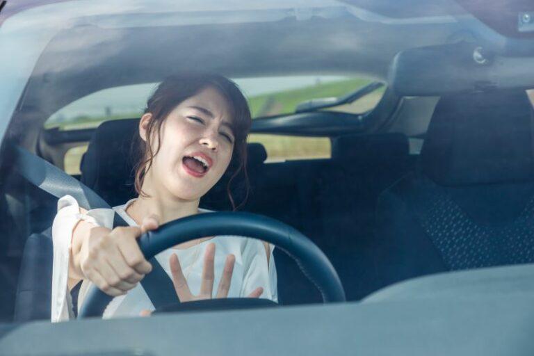 クラクション音の正しい使い方とは!トラブルや道路交通法違反を避ける為には?