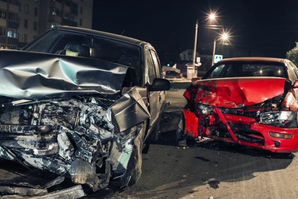 あおりハンドルの危険性とは?どんな事故の要因になる?