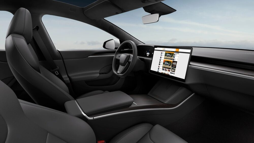 今回確認されたモデルS 2022年モデルと思われる内装 ハンドル以外は2021年1月に発表されたものと共通している