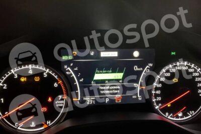 トヨタ 次期新型ランドクルーザー300系の燃費はリッター10キロ超え?中東でリーク