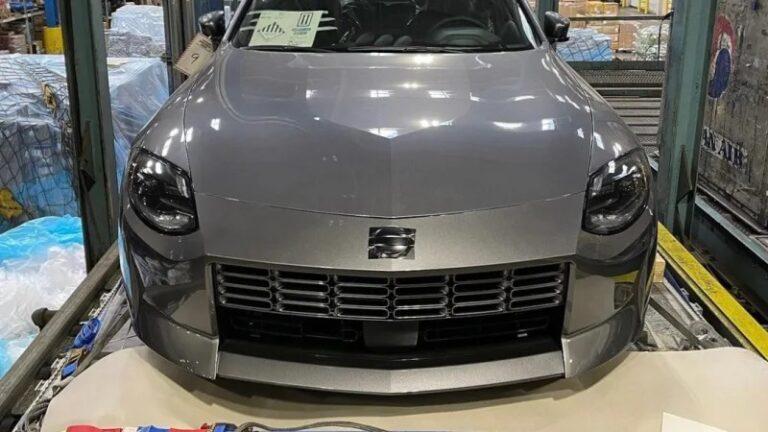 ついに!日産新型フェアレディZ「400Z」生産モデルの内外装が撮影される
