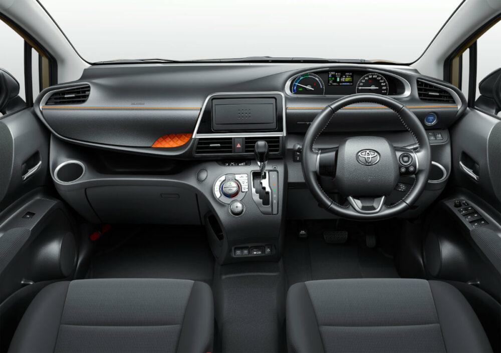 トヨタ 2代目シエンタ 運転席