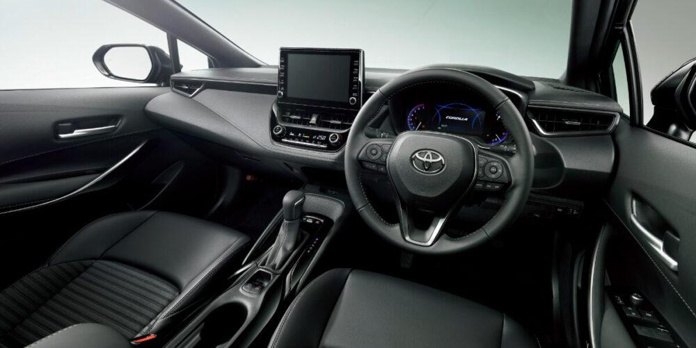 トヨタ 12代目カローラ 運転席
