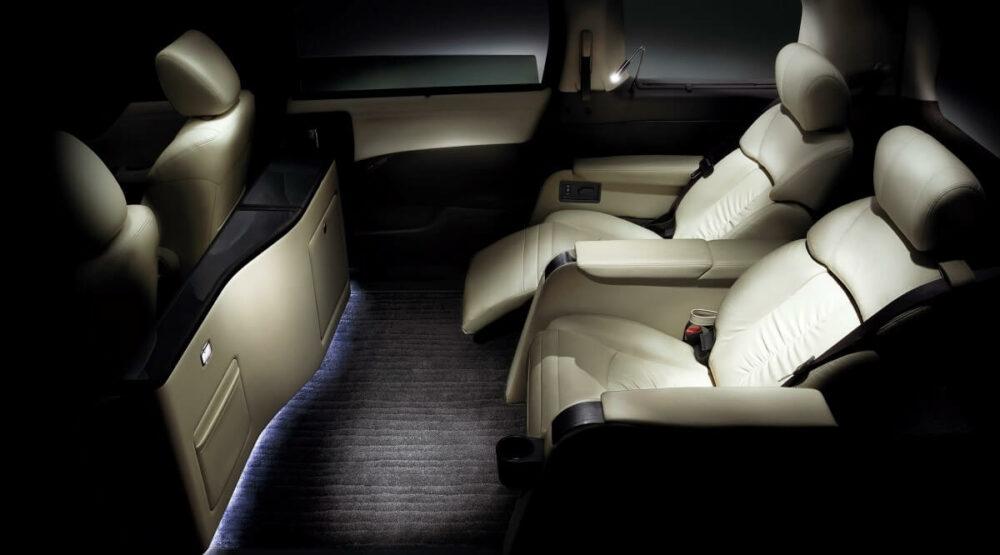 日産 3代目エルグランド 2列シート仕様「VIP」 内装