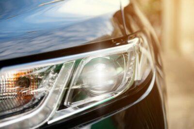 車のライトの使い分けはどうする?各部名称と付け方・操作方法をおさらい