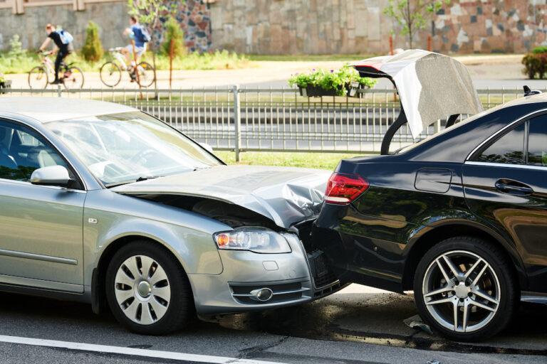 交通事故証明書の申請・取得方法|何に使う?記載内容は?