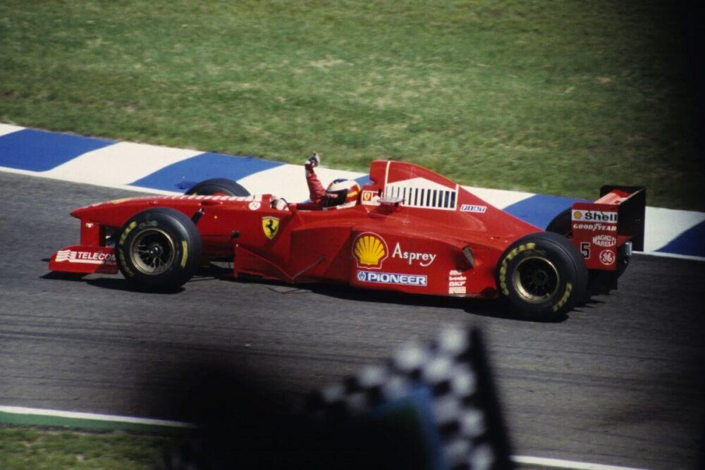 1997年のドイツグランプリに出場するミハエル・シューマッハ