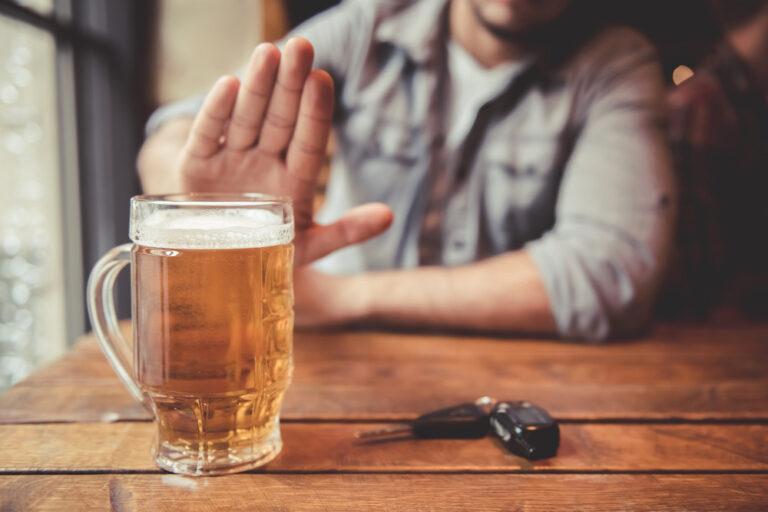 【飲酒運転の罰則・罰金】飲酒後何時間なら運転できる?自転車でも捕まる?