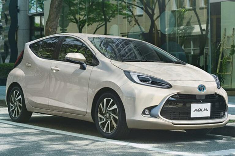発売前のトヨタ アクアが公式販売店HPからリーク!内外装とボディカラーが確定