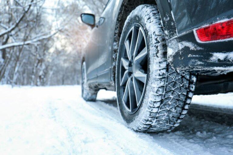 スタッドレスタイヤ(冬タイヤ)2021年度の最新情報!選び方とおすすめ商品まとめ